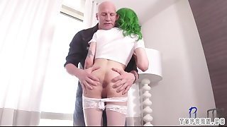 sexy shemale bareback with cumshot